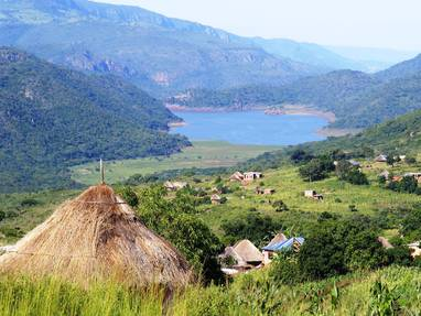 Visit sacred lake of fundudzi