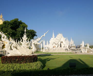 white_temple_in_north_of_thailand