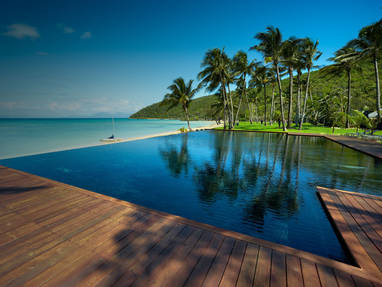 Orpheus island lodge  view infinty pool