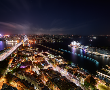 Shangri-La_Hotel__Sydney_Night_view_(3)_by_Paul_Reiffer