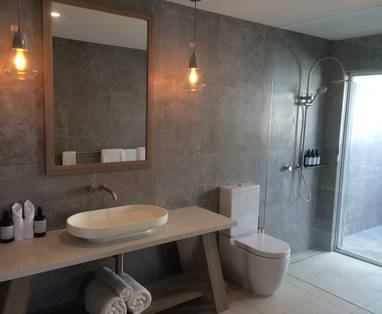 South-Room-Bathroom