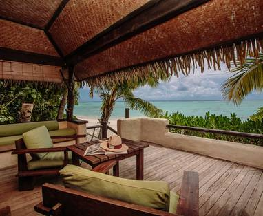 4.-Pacific-Resort-Aitutaki-Premium-Beachfront-Bungalow-Deck-2