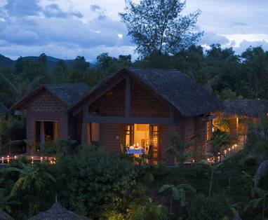 Honeymoon_Pool_Hut_-_Romantic_night