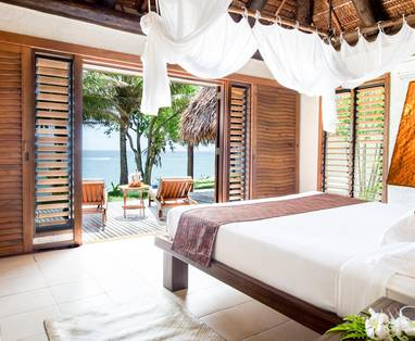 TOKM20A_Sunset_Pool_Villa_Interior_Bed