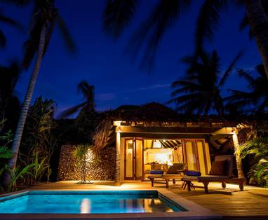 TOKM20A_Beachfront_Pool_Bure_Exterior_Night