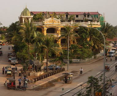 EXO_800_Siem_Reap_view_of_town