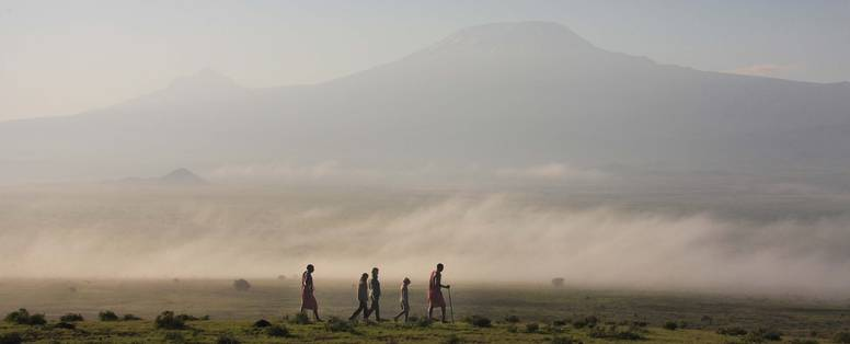 Tortilis_Camp_-_activities_-_bush_walk_with_the_backdrop_of_Mt_Kilimanjaro-2