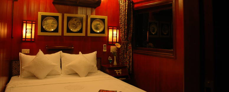 Dragon's_Pearl__Indochina_Junks_(11_cabins)_(1)